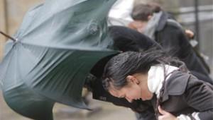 Fuertes vientos y precipitaciones en toda España.