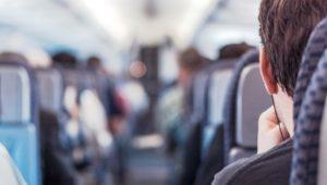 Consejos para evitar problemas vasculares durante los viajes en avión